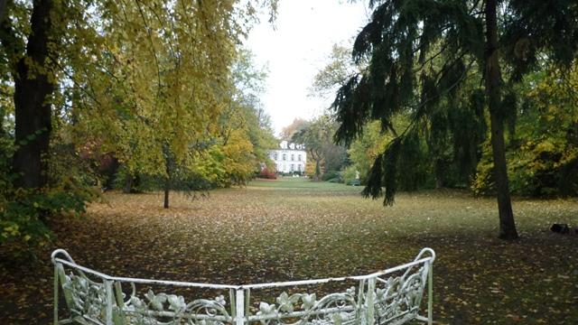 Le jardin public de la feuilleraie ville de varennes jarcy for Jardin public pdf